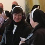 Schwestern in der Klosterkirche MH